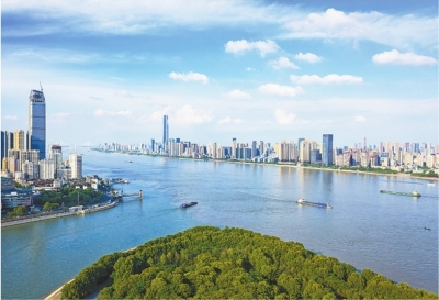 武汉这么多大江大湖 夏夜为啥这么热?